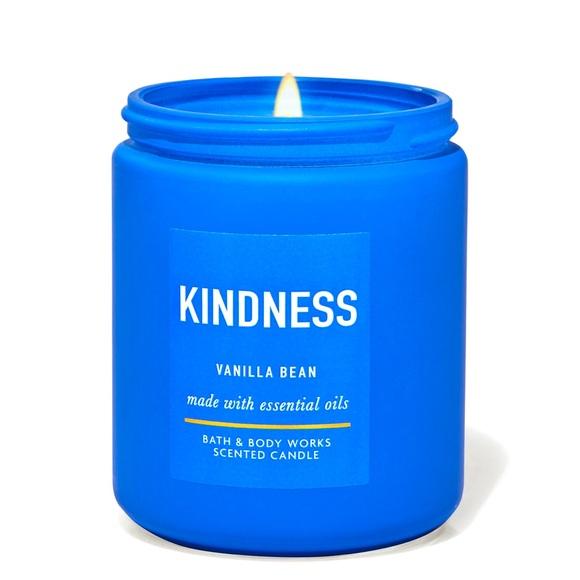 NWT Blue Kindness Vanilla Bean Single Wick Candle